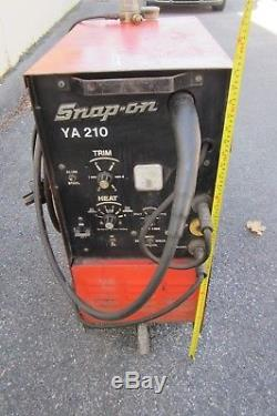 Snap-On Welder YA 210 Industrial Mig Welder 230 AMP Welding Torch LP Gas Metal